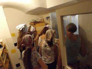 Bienen Kinder Schulen Arbeiten in der Honigwerkstatt